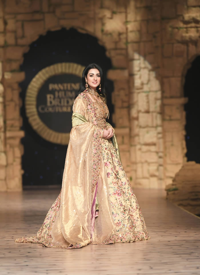 Dastaan-e-Firdaus Bridal Collection at PHBCW19 By Nilofer Shahid (17)