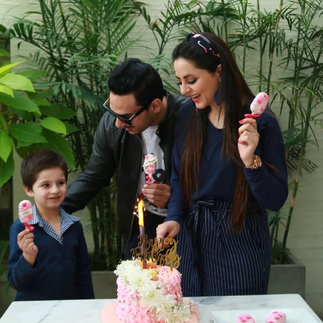 Fatima Effendi Actress Birthday Celebration with Family (4)