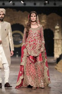 Gul Mohar Luxury Dresses Collection at Bridal Couture Week 2019-20 by Honey Waqar (10)