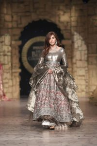 Gul Mohar Luxury Dresses Collection at Bridal Couture Week 2019-20 by Honey Waqar (14)