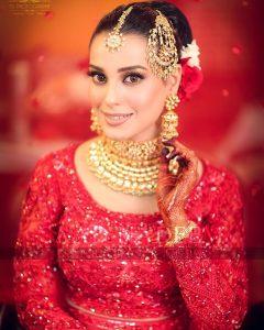 Iqra Aziz and Yasir Hussain Wedding Pictures (10)