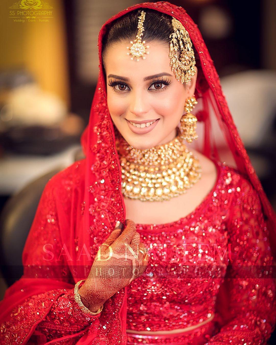 Iqra Aziz and Yasir Hussain Wedding Pictures (11)