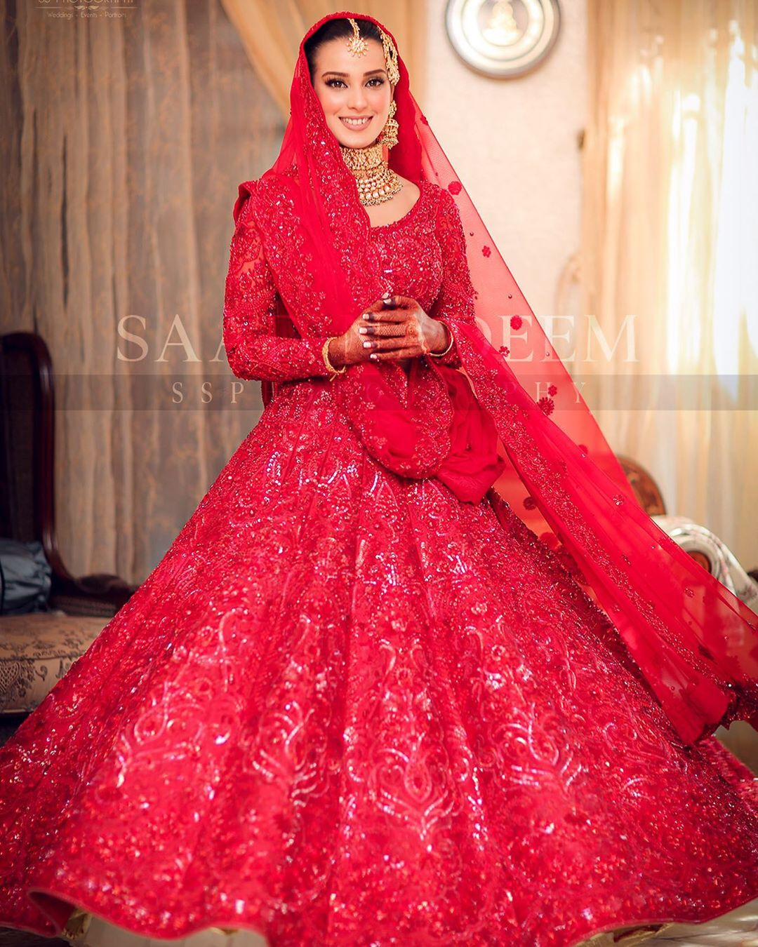 Iqra Aziz and Yasir Hussain Wedding Pictures (15)