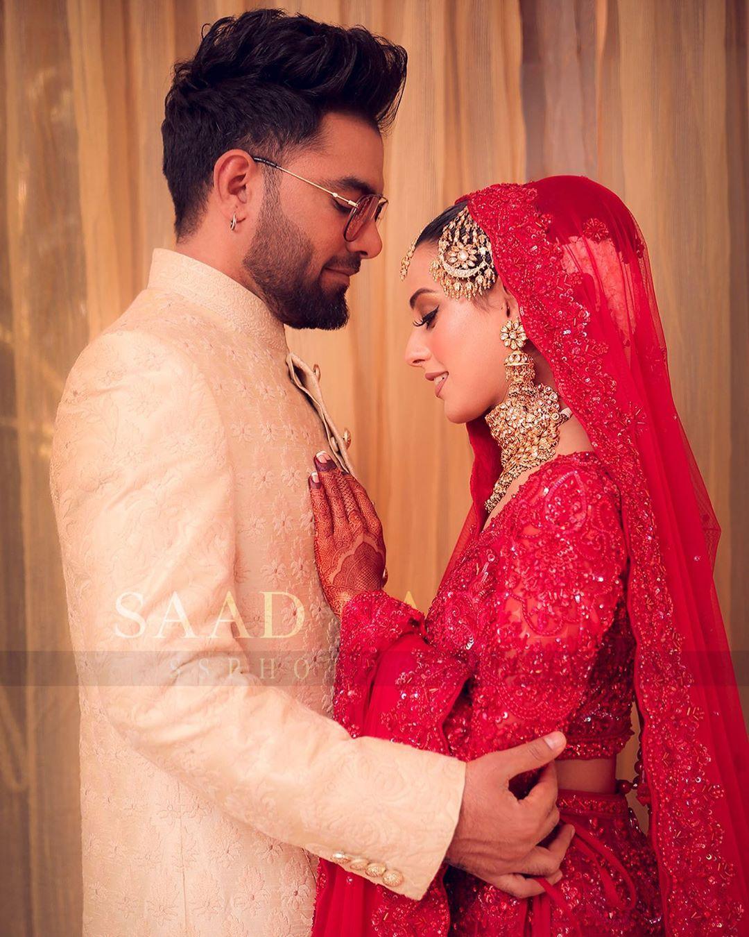 Iqra Aziz and Yasir Hussain Wedding Pictures (16)