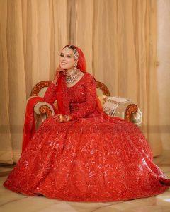 Iqra Aziz and Yasir Hussain Wedding Pictures (39)