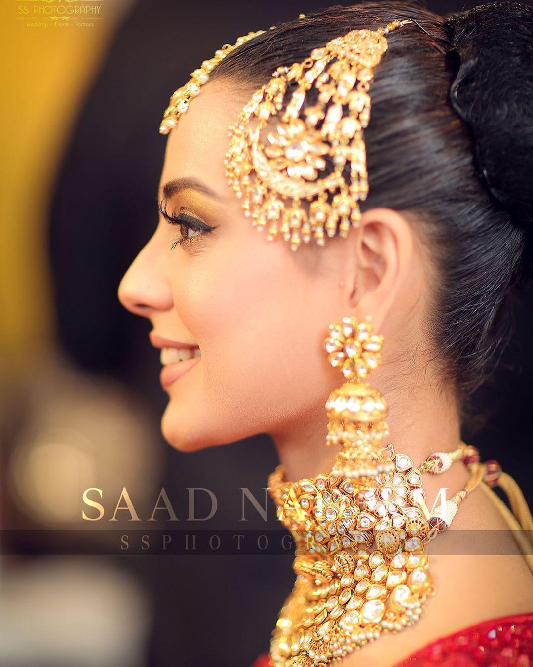 Iqra Aziz and Yasir Hussain Wedding Pictures (6)