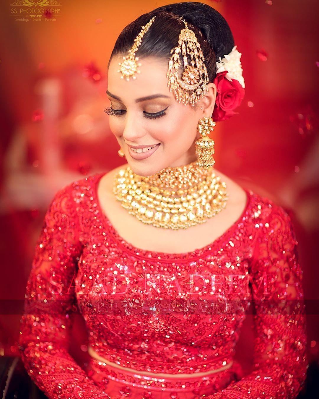Iqra Aziz and Yasir Hussain Wedding Pictures (7)