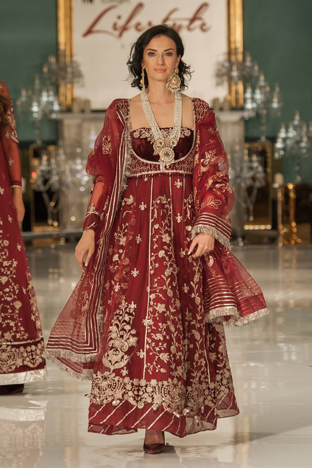 Noor Embroidered Winter Festive 2019-20 Collection at Lifestyle London By Saadia Asad (17)