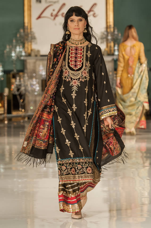 Noor Embroidered Winter Festive 2019-20 Collection at Lifestyle London By Saadia Asad (23)