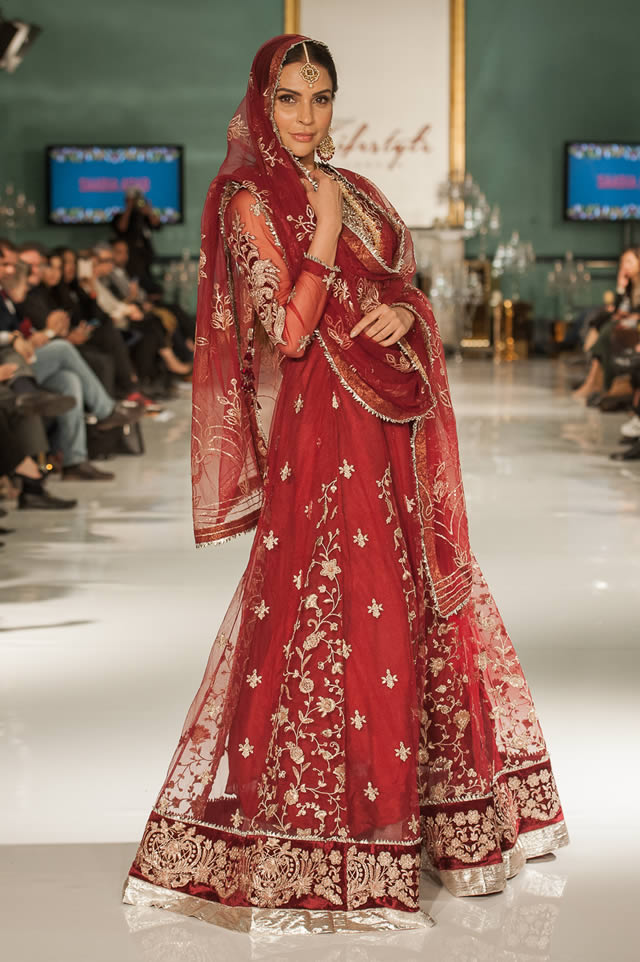 Noor Embroidered Winter Festive 2019-20 Collection at Lifestyle London By Saadia Asad (27)
