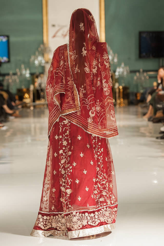 Noor Embroidered Winter Festive 2019-20 Collection at Lifestyle London By Saadia Asad (28)