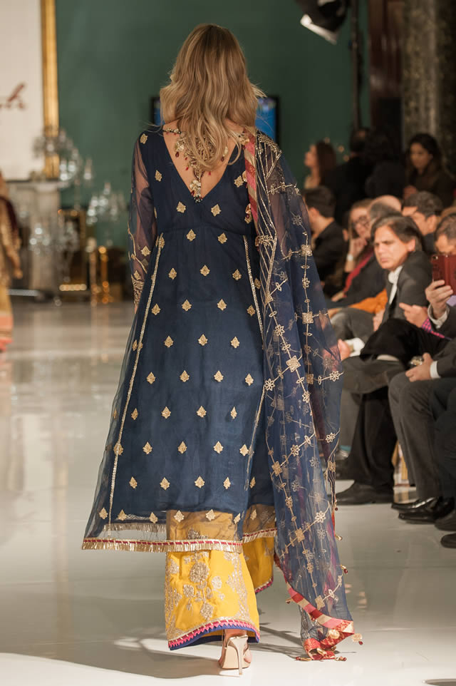 Noor Embroidered Winter Festive 2019-20 Collection at Lifestyle London By Saadia Asad (9)
