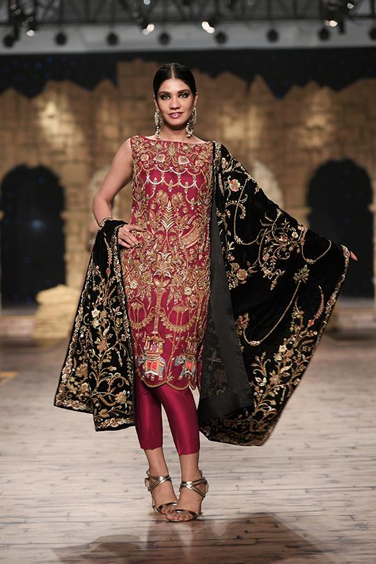 Shamsha Hashwani, Umsha By Uzma Babar and Anaya By Kiran Chaudhry Collections At PHBCW (3)