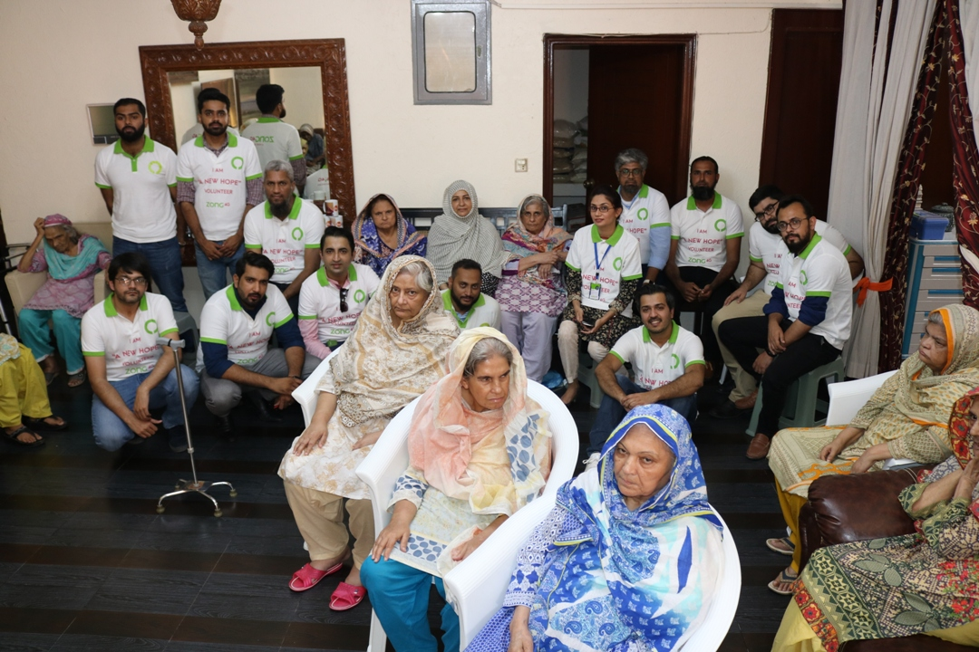 ZONG 4G's New Hope Volunteers spent a day at Bint-e-Fatima Old Age Homes, Karachi (2)