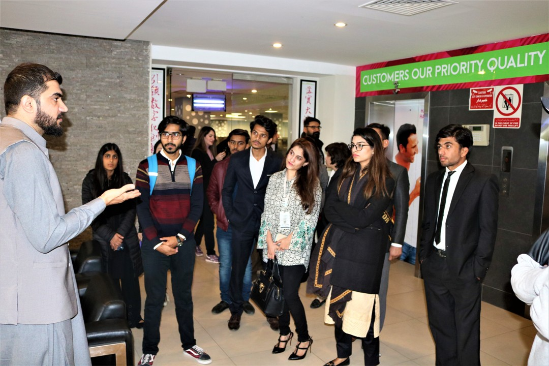 Zong 4G Educates TMUC Students on Their Visit to the Headquarters (2)