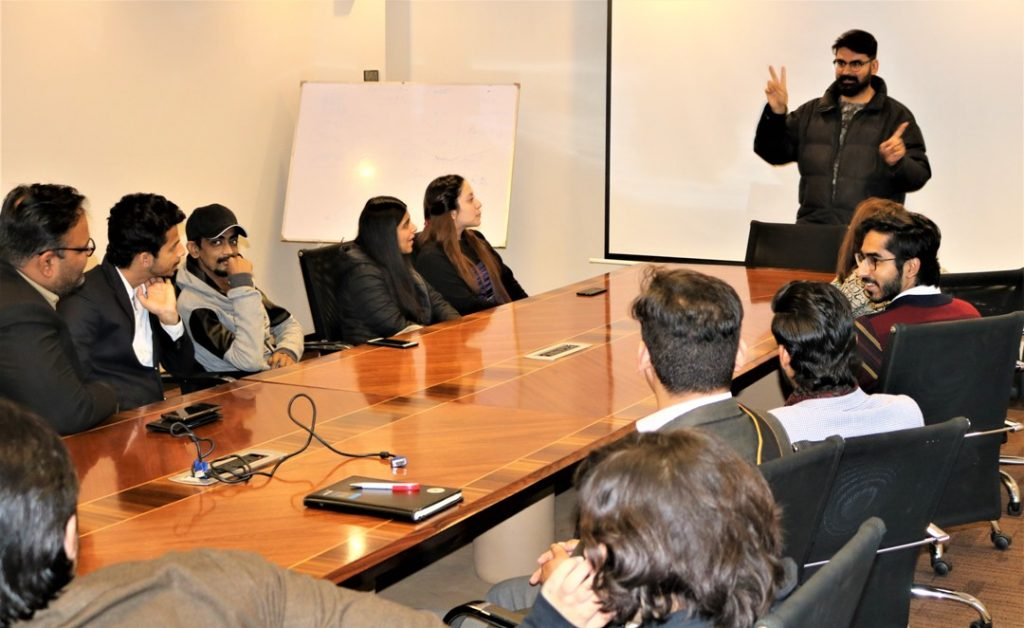 Zong 4G Educates TMUC Students on Their Visit to the Headquarters (4)