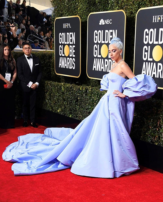 Golden Globe seems to set fire to the red carpet (8)