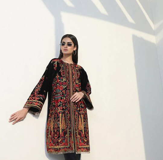 Mid-Winter Minimalistic Fashion Collection 2020 By Sana Safinaz (10)