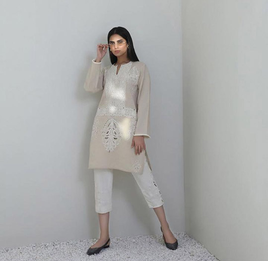 Mid-Winter Minimalistic Fashion Collection 2020 By Sana Safinaz (4)