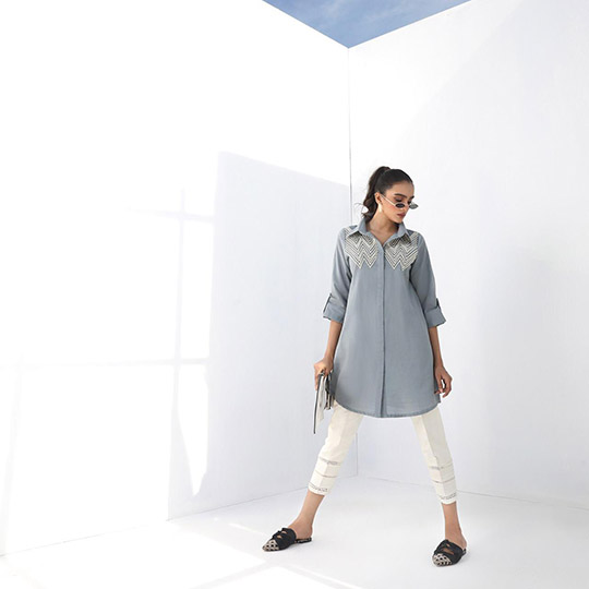 Mid-Winter Minimalistic Fashion Collection 2020 By Sana Safinaz (7)