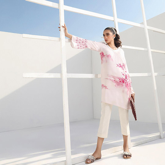 Mid-Winter Minimalistic Fashion Collection 2020 By Sana Safinaz (9)