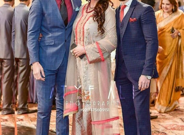 Saba Faisal Images with Family at Wedding Event (1)