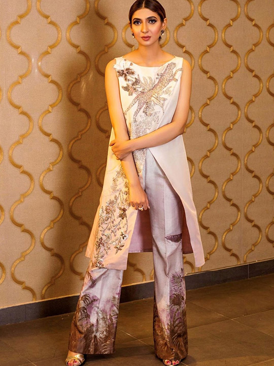 Six Bridal Trendy Formal Wear Designs 2020 By Shiza Hassan (5)