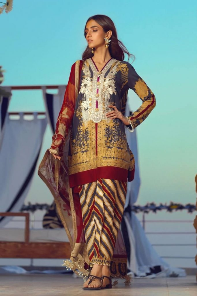 Spring Summer Lawn Collection 2020 By Sana Safinaz (12)