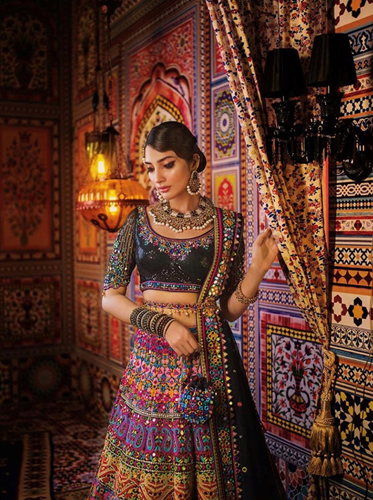 Summer 2020 Lehenga Choli Designs By Nomi Ansari (1)
