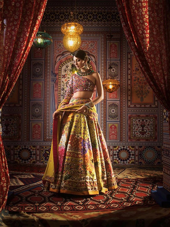 Summer 2020 Lehenga Choli Designs By Nomi Ansari (5)