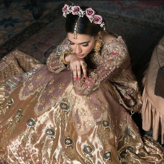 Dahlia Womens Wear Wedding Season Collection Shiza Hasan (13)