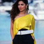 Mahira Khan Pictures in Cannes France 2018 (10)