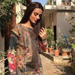 Iqra Aziz Face Of Alkaram For 2018 (1)