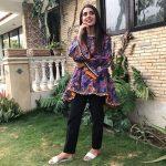 Iqra Aziz Face Of Alkaram For 2018 (5)