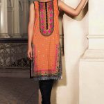 Embroidery Lawn Collection 2018 By Warda Kashmiri (4)