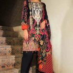 Embroidery Lawn Collection 2018 By Warda Kashmiri (7)