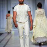 Pearlessence Couture Collection 2019 at Pantene HUM Showcase By Rizwan Beyg (11)