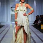 Pearlessence Couture Collection 2019 at Pantene HUM Showcase By Rizwan Beyg (6)