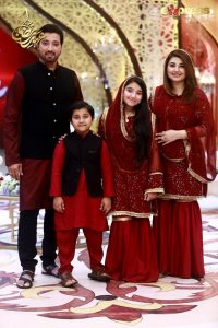 Actors Javeria and Saud with their children in today's Ramzan broadcast on Express TV (1)