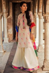 Rani Bagh Luxury Lawn Collection 2019 By Cross Stitch (1)