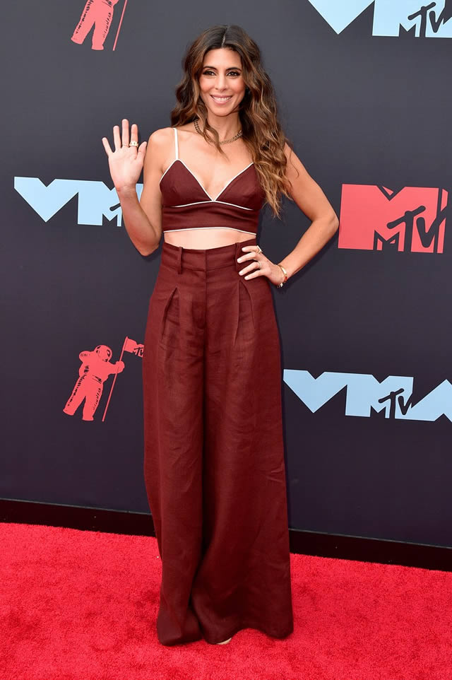 VMA red carpet fashion at the MTV Video Music Awards 2019 (11)