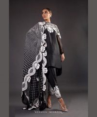 Complete guide to achieving a timeless monochrome look (1)