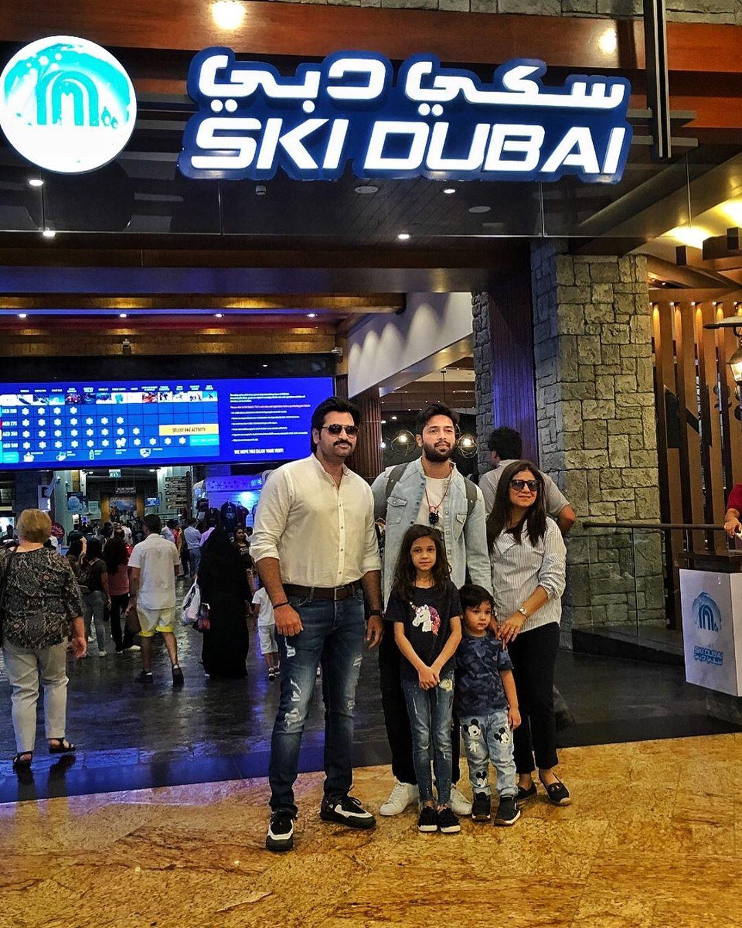 Pakistani Actor Fahad Mustafa in Dubai with Wife and Daughter (1)