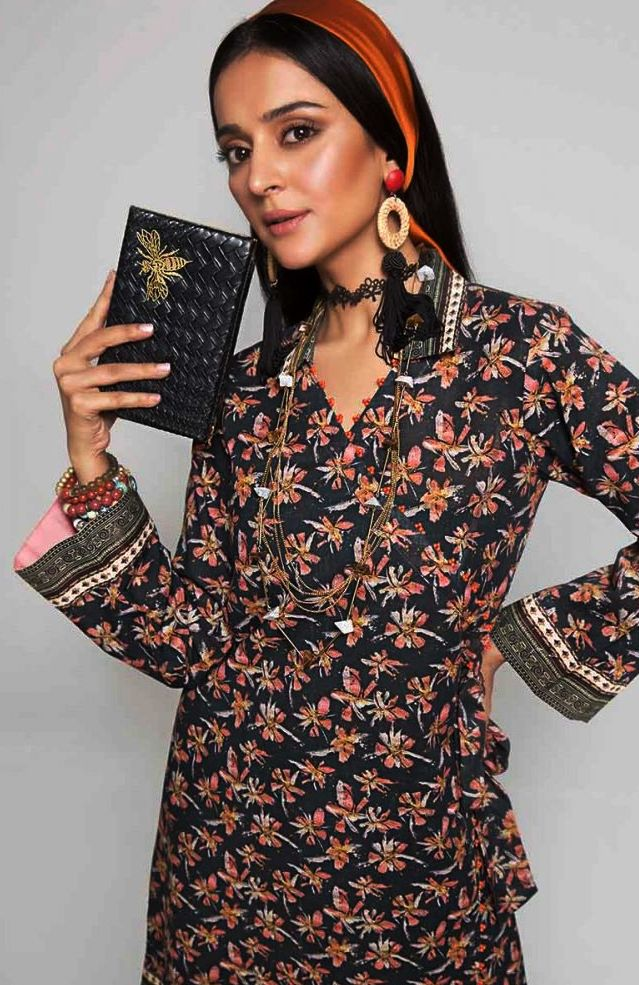 Gul Ahmed Gulistan Winter Glamour Unstitched Collection 2019 (28)
