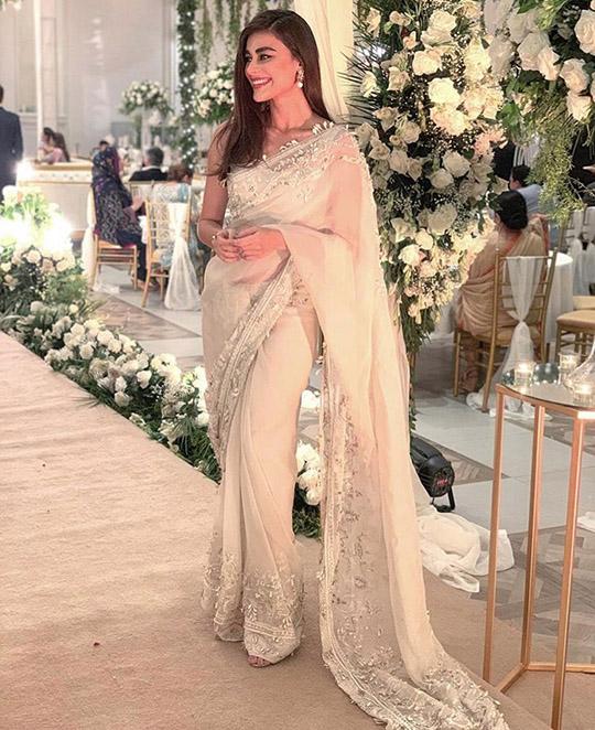 Six Ways Sadaf Kanwal raises her glamor ratio (7)