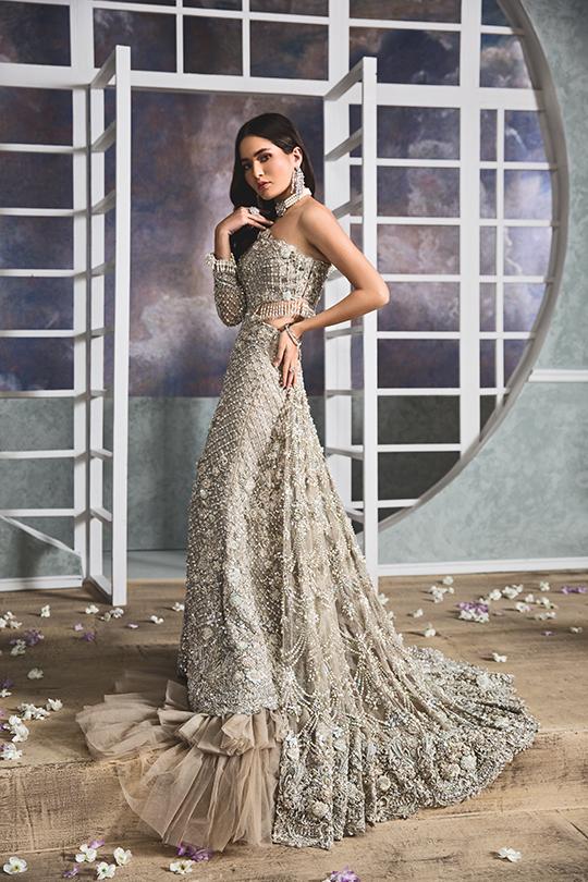 """Anaya By Kiran Chaudhry's Bridals Dreamy """"Nauroz"""" Collection 2019-20 (10)"""