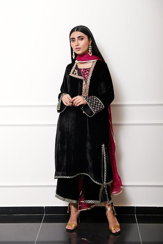 Farah Talib Aziz Winter Festive Looks That Will Take Your Style Higher (5)
