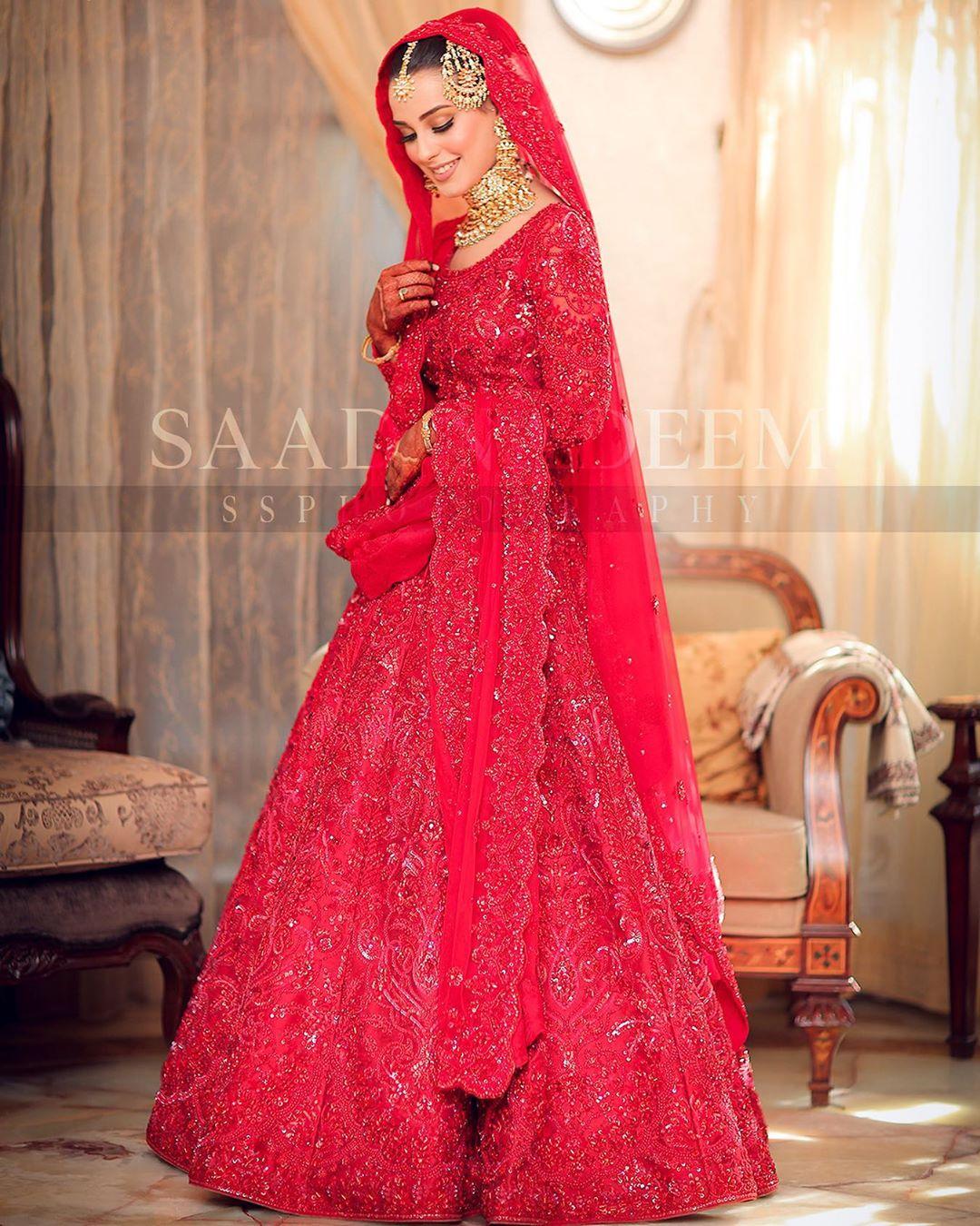 Iqra Aziz and Yasir Hussain Wedding Pictures (13)