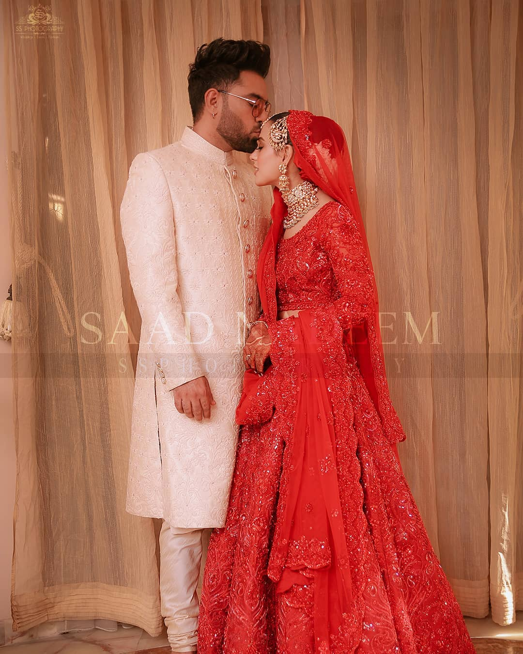 Iqra Aziz and Yasir Hussain Wedding Pictures (26)