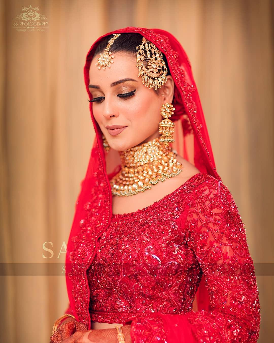 Iqra Aziz and Yasir Hussain Wedding Pictures (40)